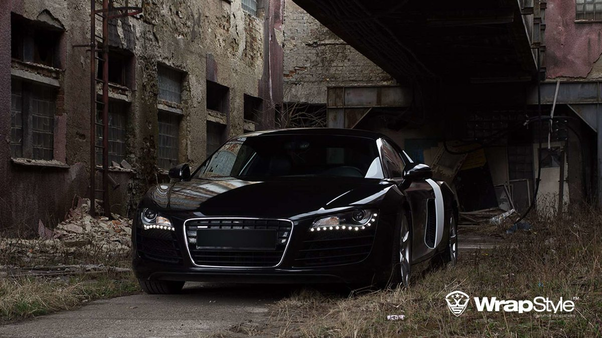 Audi R8 - Black Metallic wrap - cover