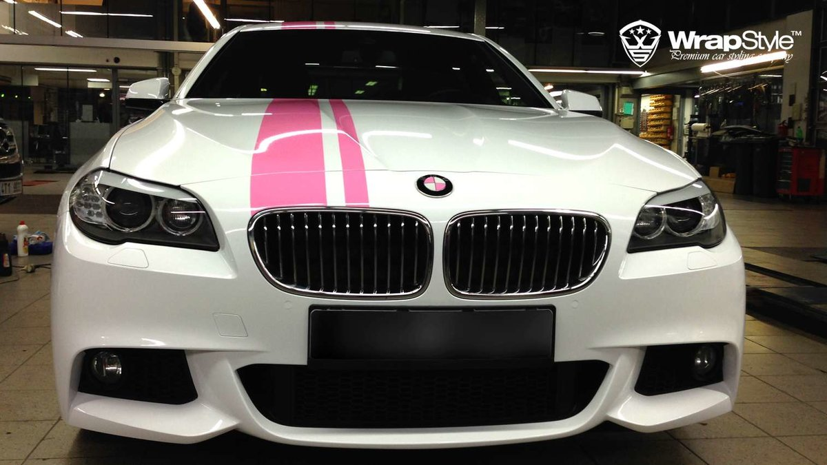 BMW 5 F10 Pink performance - cover