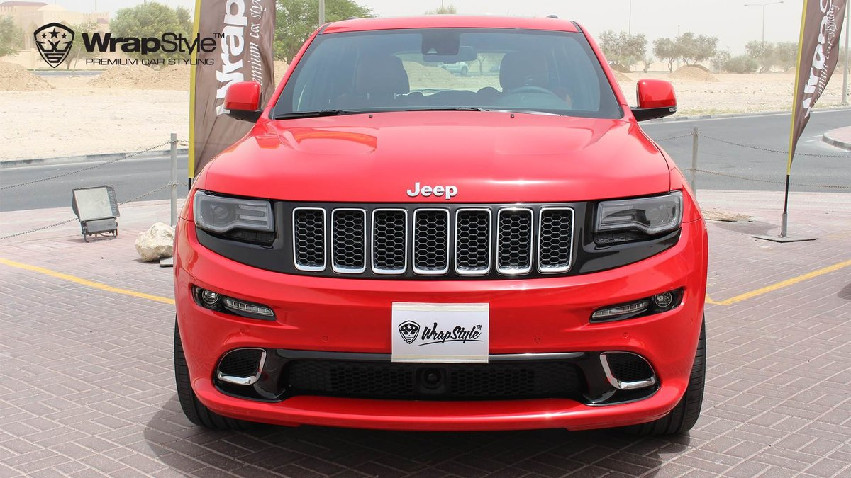 Jeep Grand Cherokee SRT carmine red gloss - cover