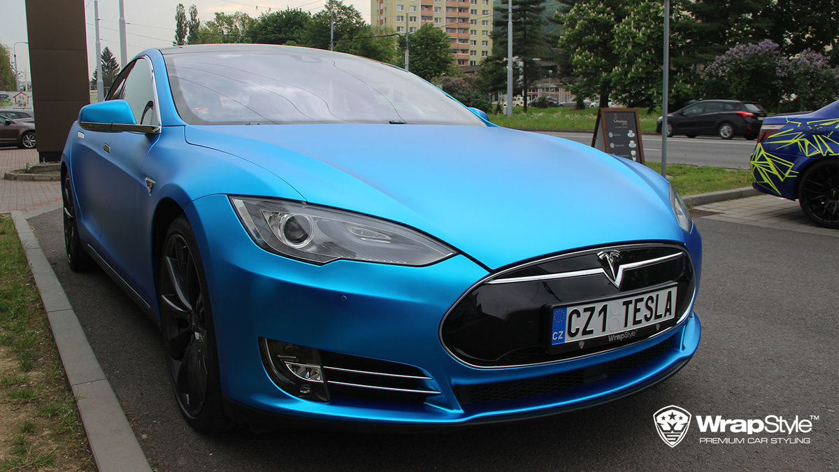 Tesla Model S - Blue matt chrome - cover