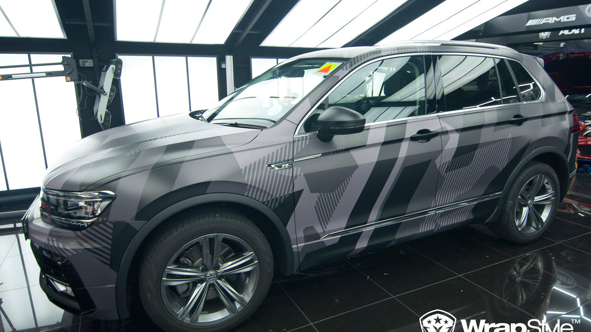 Volkswagen Tiguan - abstract camo - cover