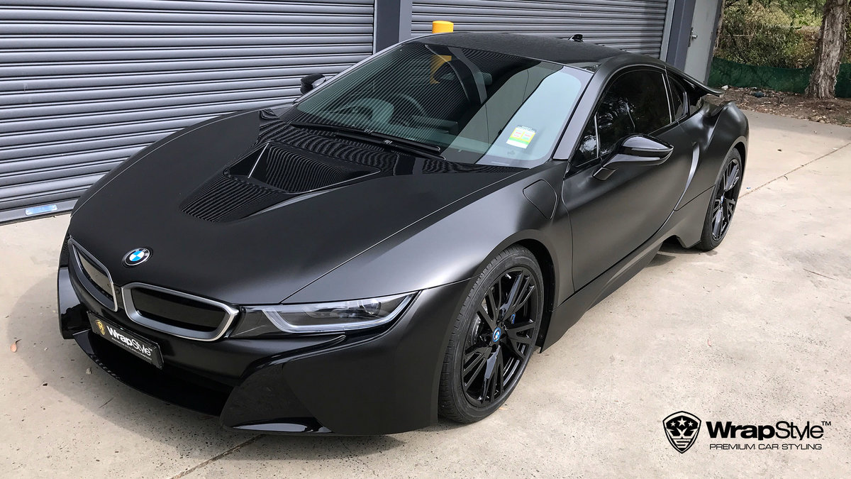 BMW i8 - black satin - cover