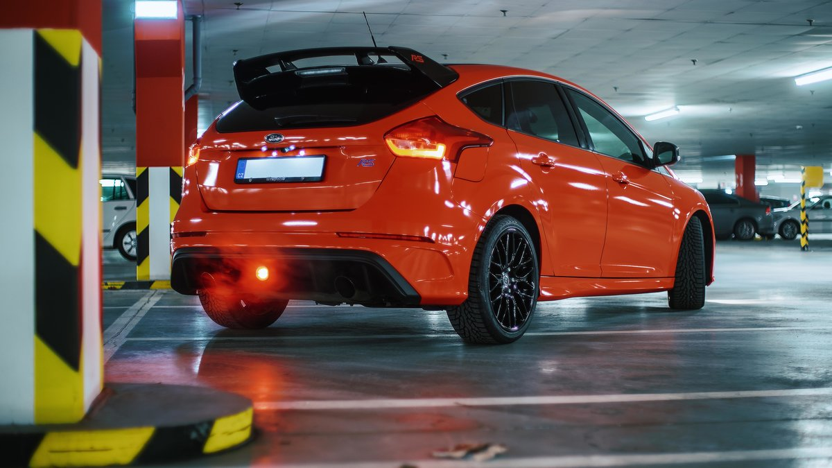 Ford Focus RS - Red Gloss wrap - img 4