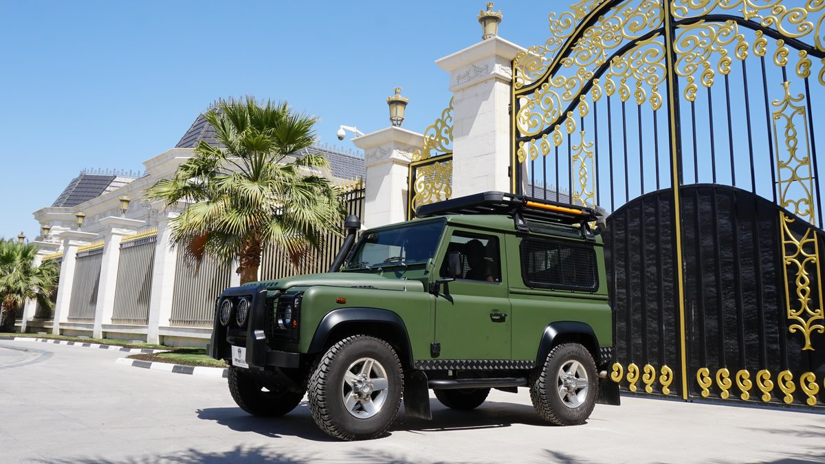 Land Rover Defender - Military Green wrap - cover