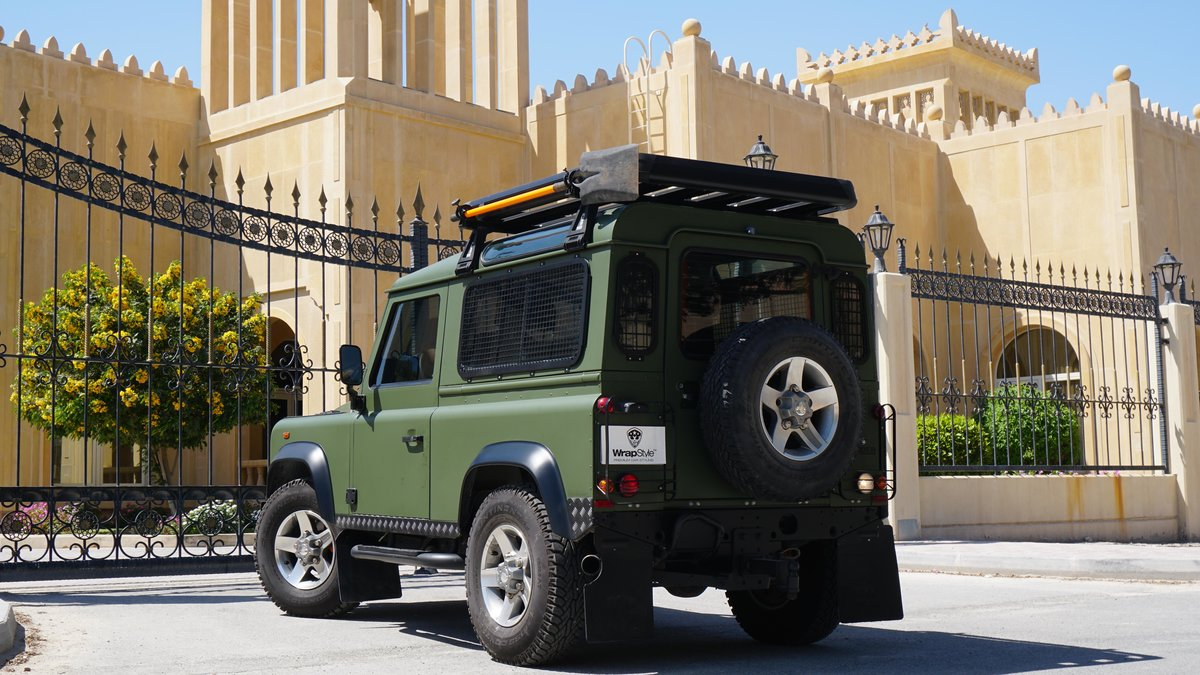 Land Rover Defender - Military Green wrap - img 3