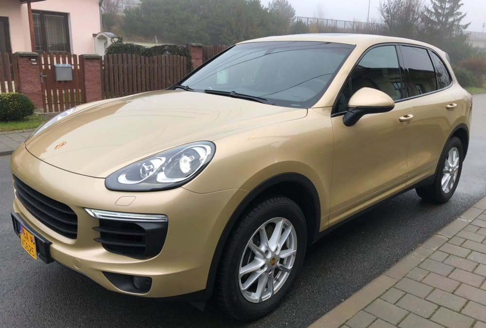 Porsche Cayenne - Gold wrap - cover