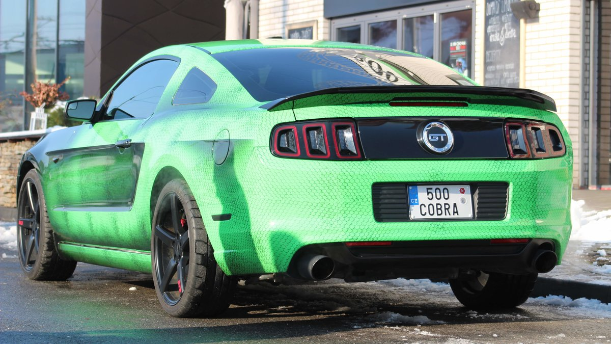Ford Mustang - Snake Green wrap - img 1