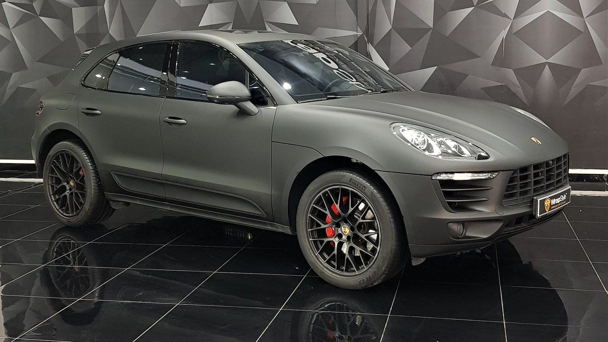 Porsche Macan - Black Matt wrap - cover