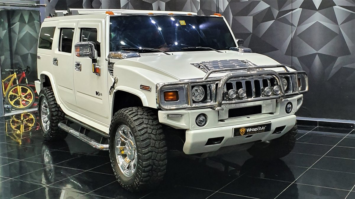 Hummer H1 - White Satin wrap - cover