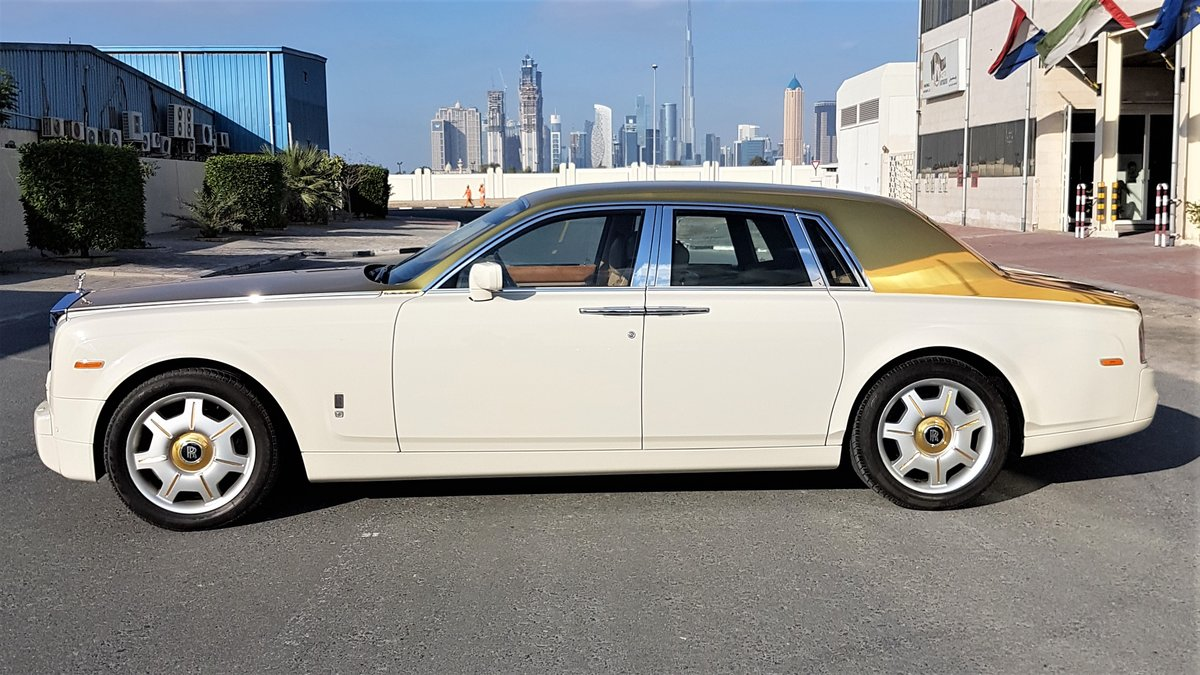 Rolls-Royce Phantom - Gold Roof wrap - img 1
