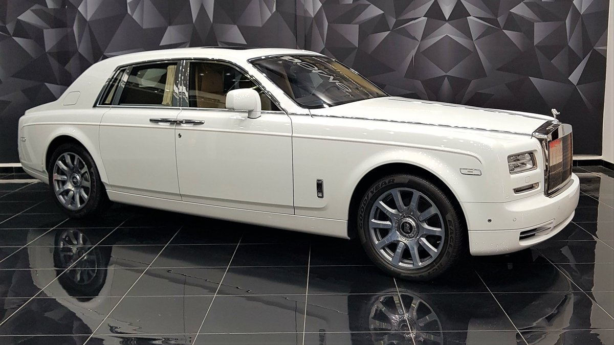 Rolls-Royce Ghost - White Satin wrap - img 2