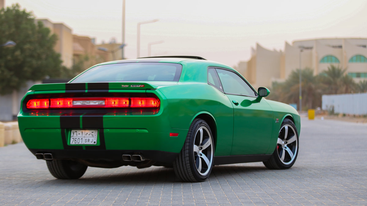 Dodge Challenger - Green Metallic wrap - img 2