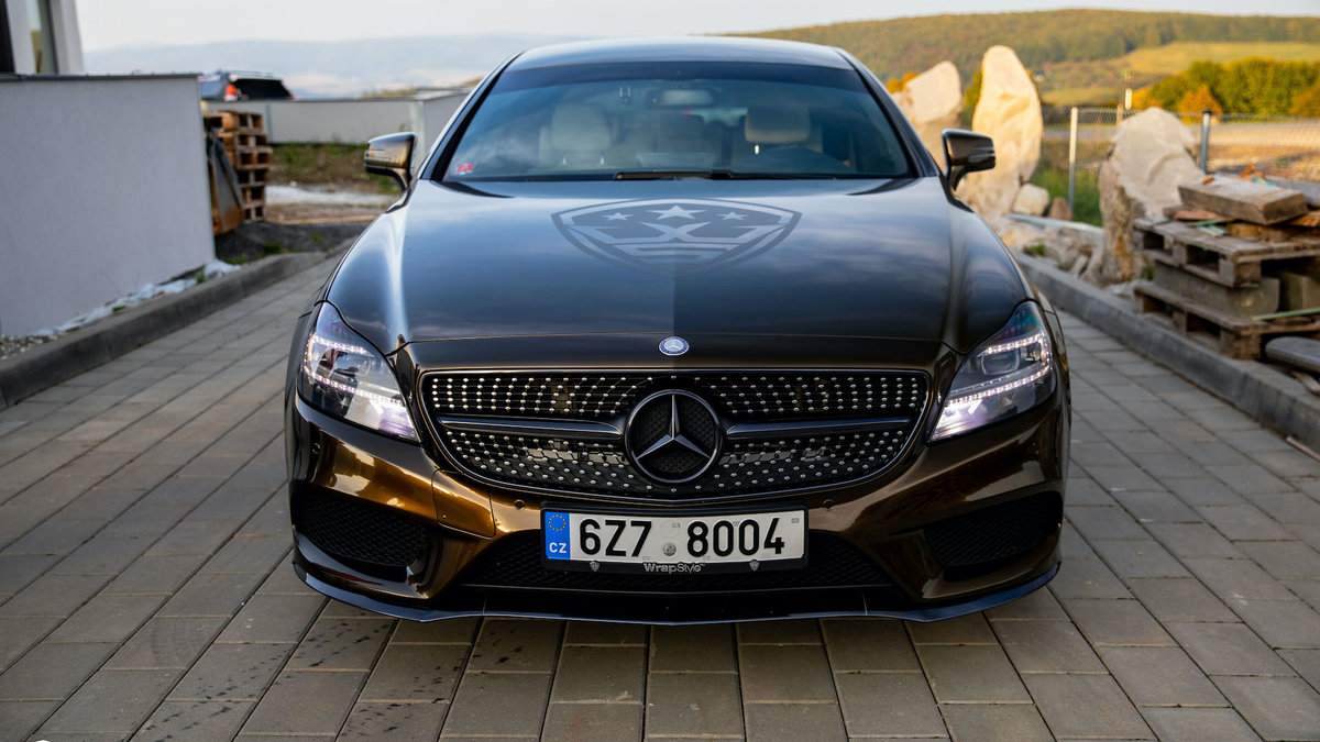 Mertcedes-Benz CLS - Midnight Gold - img 2