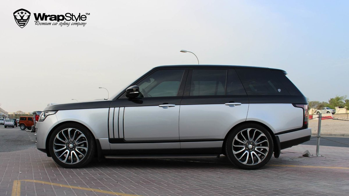 Range Rover Vogue - Black Metallic wrap - img 2