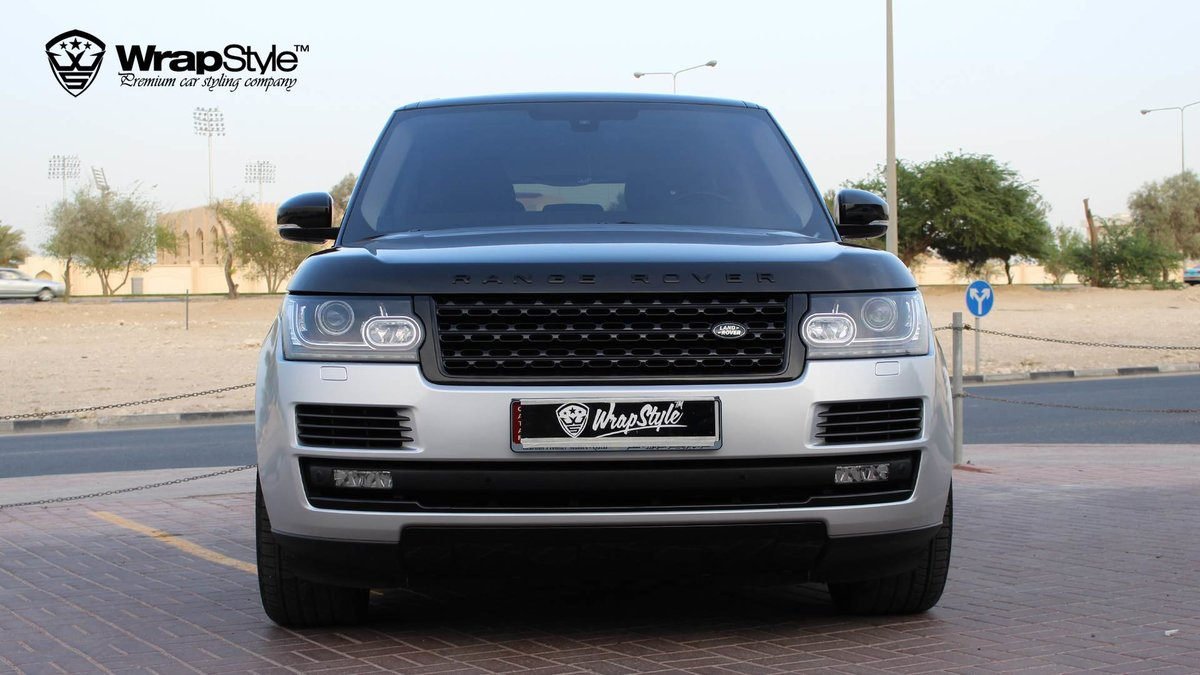 Range Rover Vogue - Black Metallic wrap - img 1