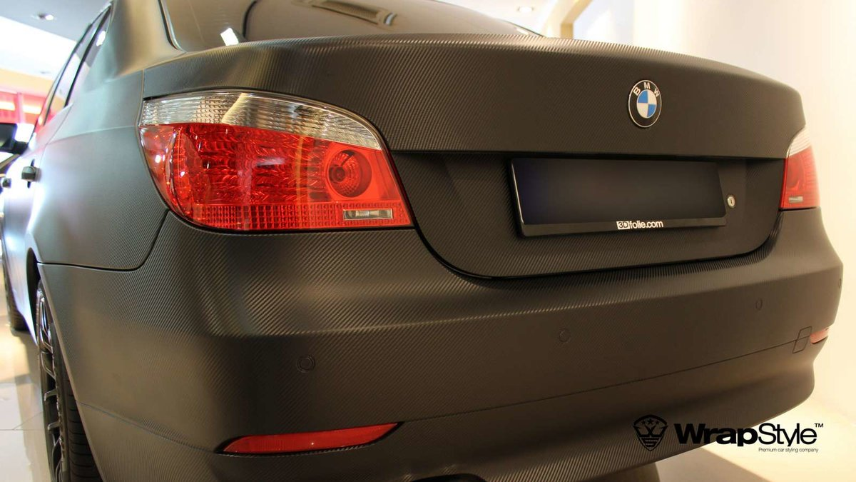 BMW 5 - Black Carbon wrap - img 1