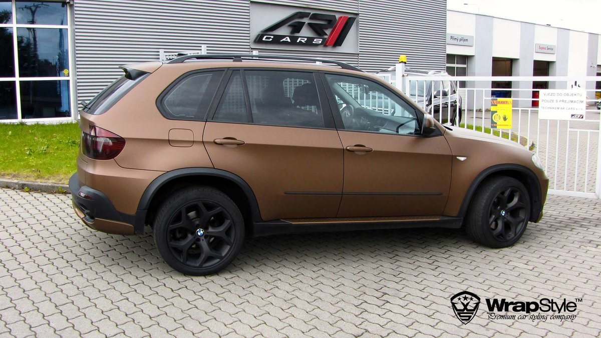 BMW X5 - Anodized Brown Matt wrap - img 1