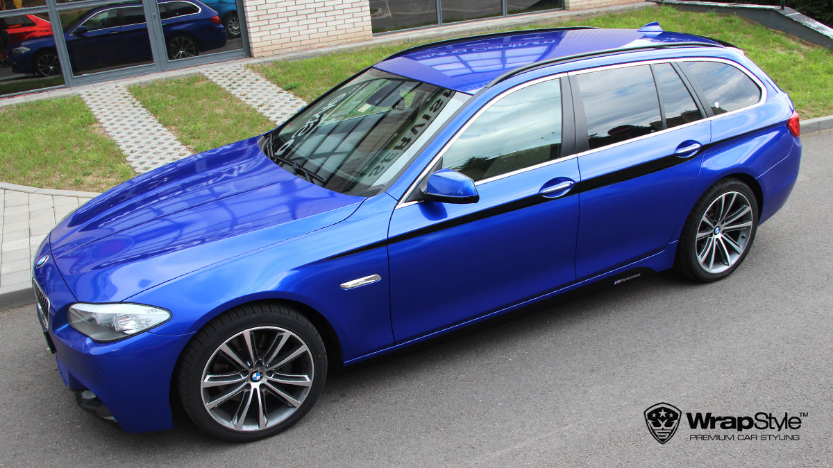 BMW 5 - 3M Cosmic Blue Gloss wrap - img 1