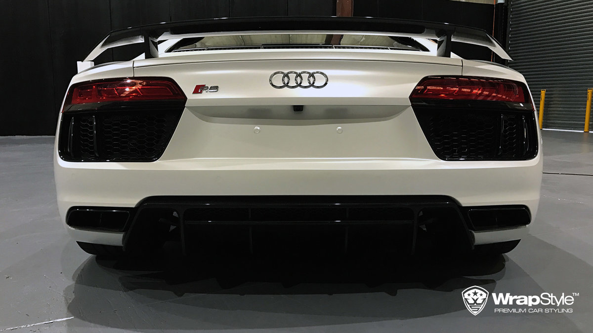 Audi R8 - White Satin wrap - img 2
