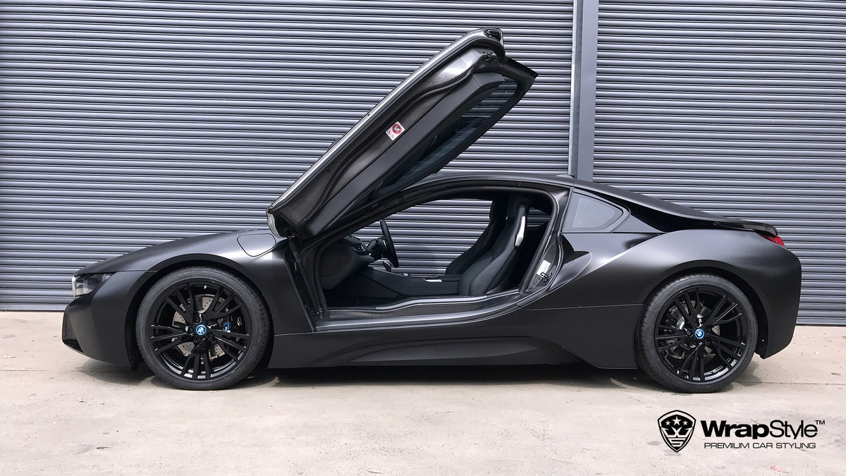 BMW i8 - black satin - img 2
