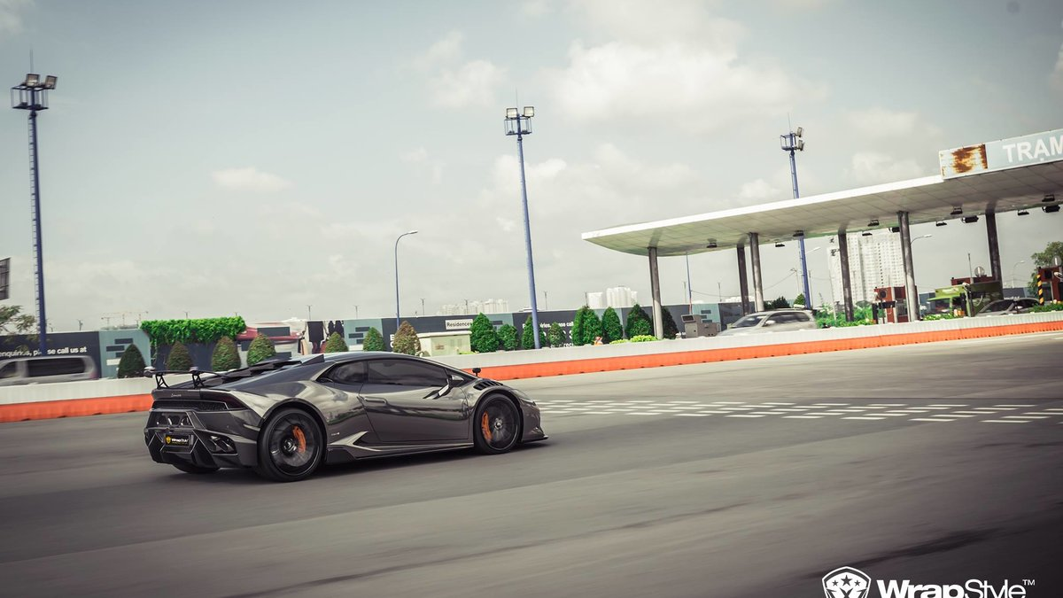 Lamborghini Huracan - Black Chrome wrap - img 2
