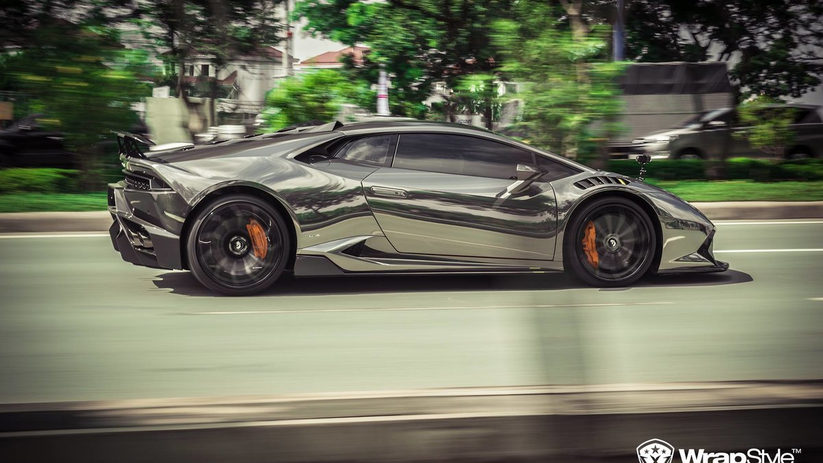 Lamborghini Huracan - Black Chrome wrap - img 1