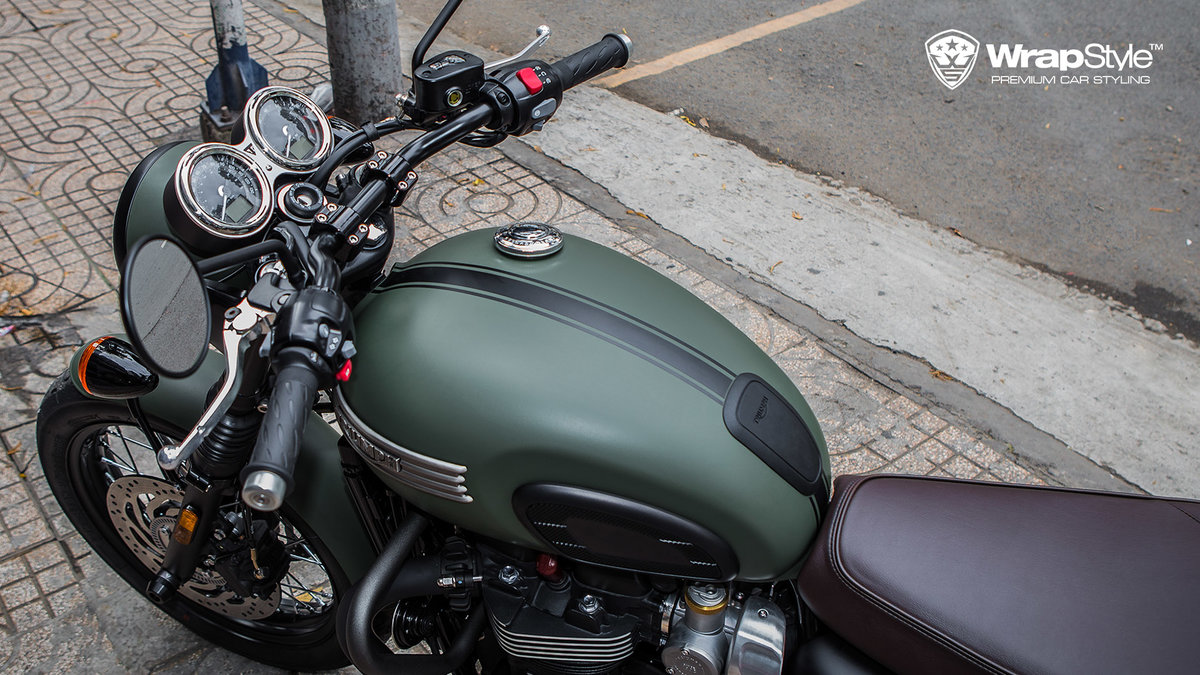 Triumph T120 - Military green - img 1