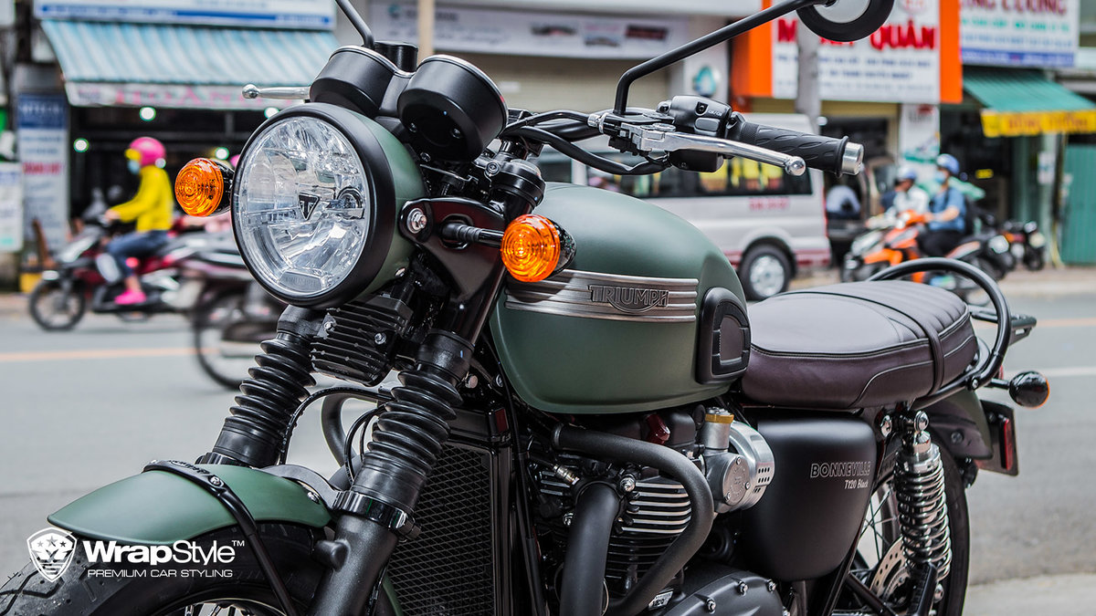 Triumph T120 - Military green - img 2
