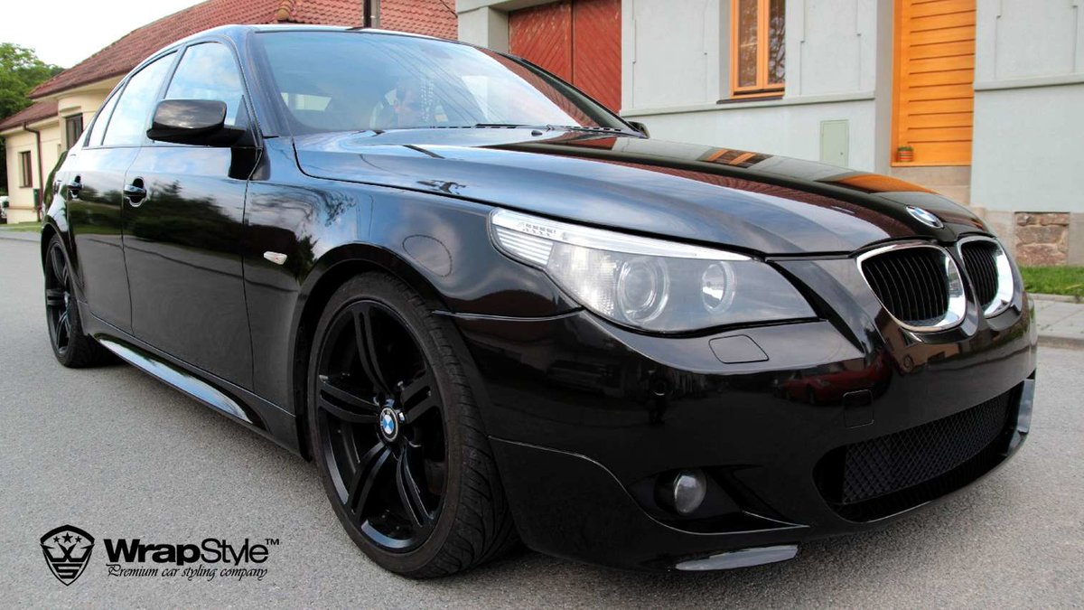 BMW 5 - Black Metallic wrap - img 1