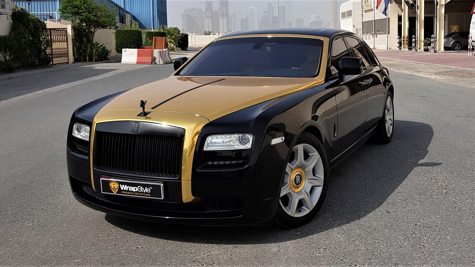 Rolls Royce Ghost Gold Gloss Stripe Wrapstyle