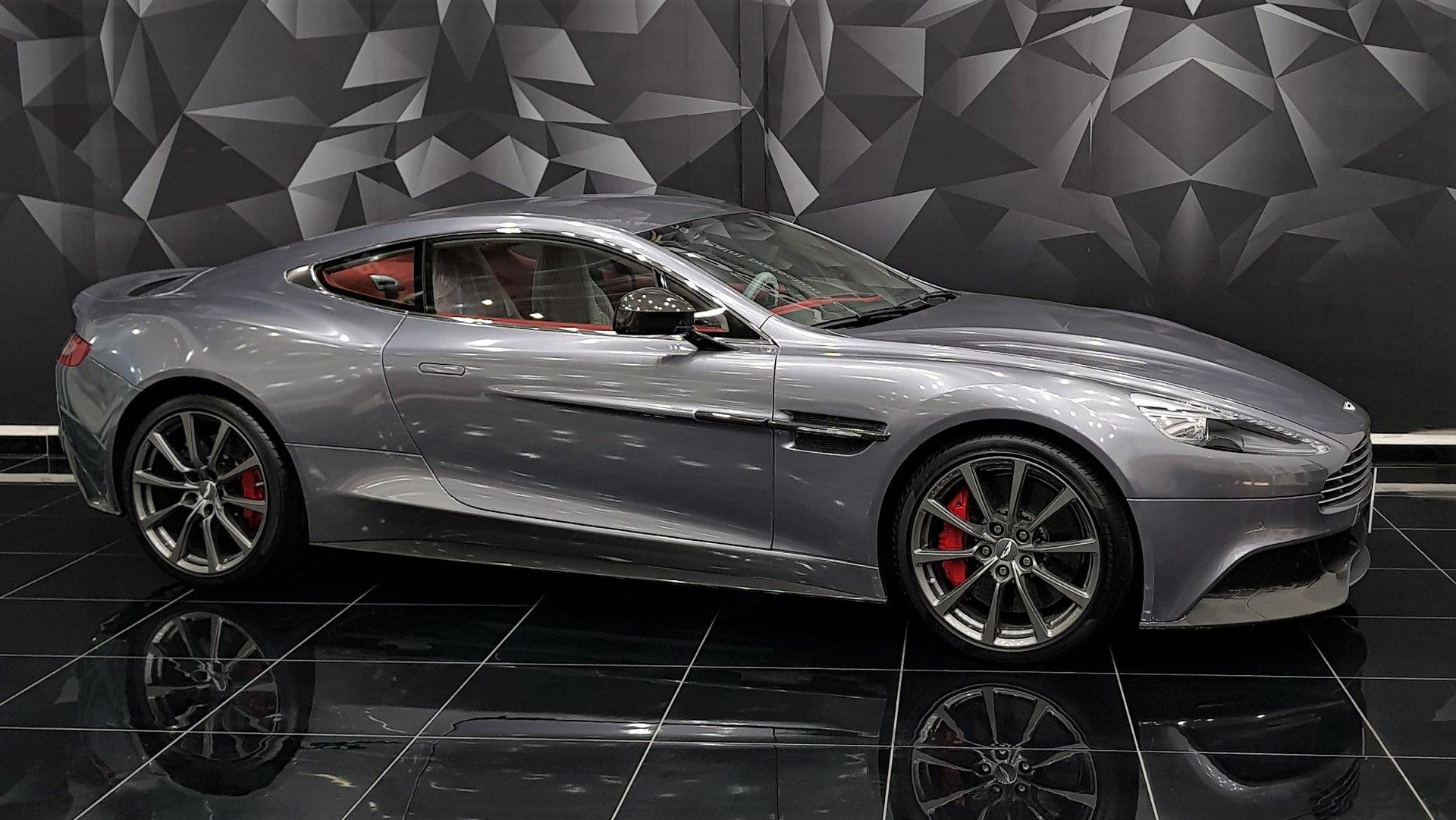 Aston Martin Vanquish Grey Gloss Wrap Wrapstyle
