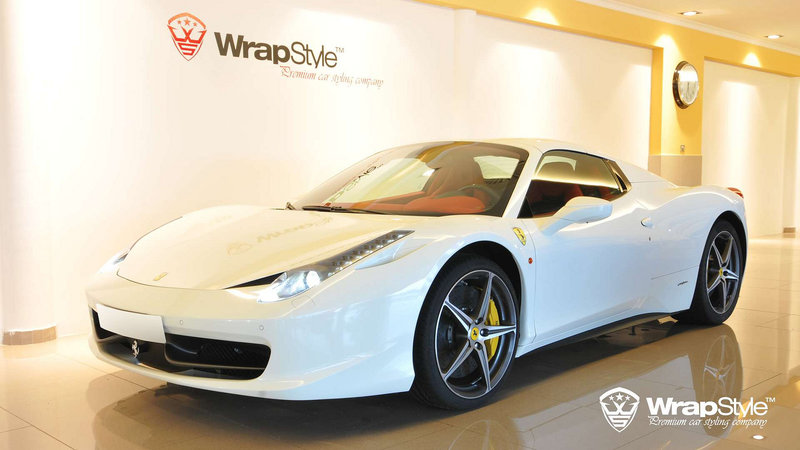 Ferrari Italia - White Gloss wrap - cover small