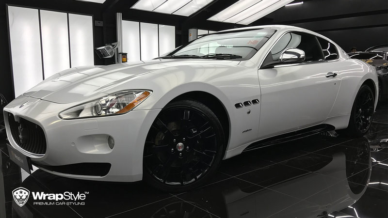 Maserati Granturismo - Gloss white, gold sparkle - cover small