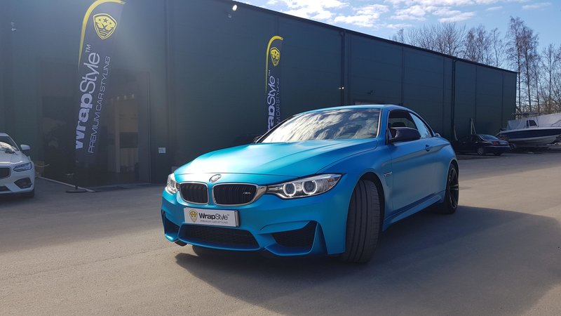 Bmw M4 convertible - satin ocean shimmer - img 3 small
