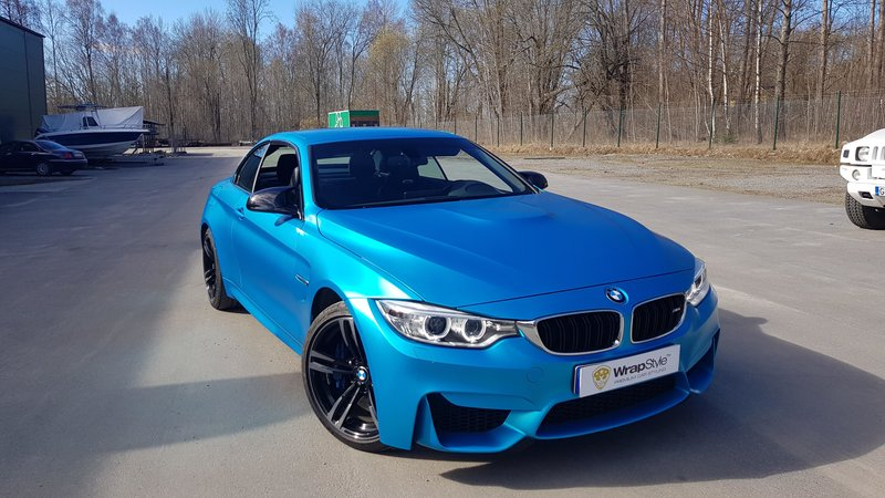 Bmw M4 convertible - satin ocean shimmer - img 1 small