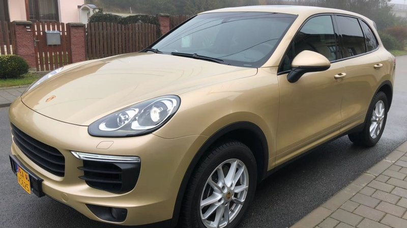 Porsche Cayenne - Gold wrap - cover small