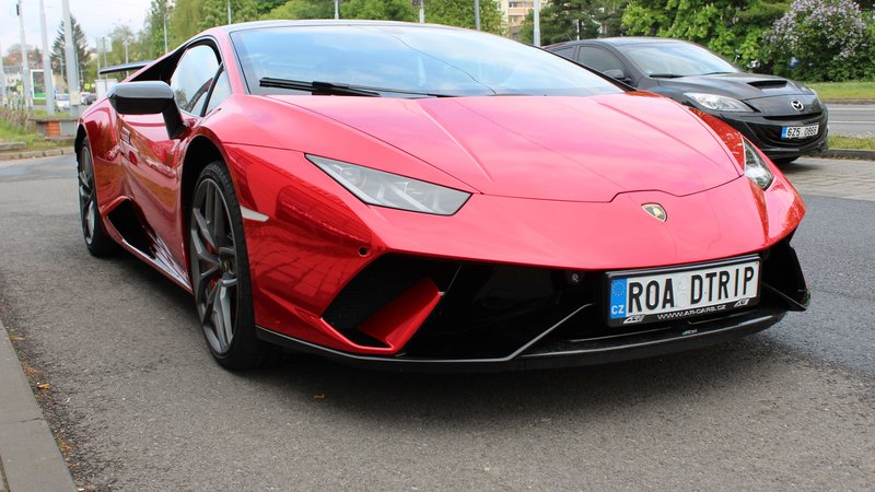 Lamborghini Huracan - Red Chrome wrap - img 3 small