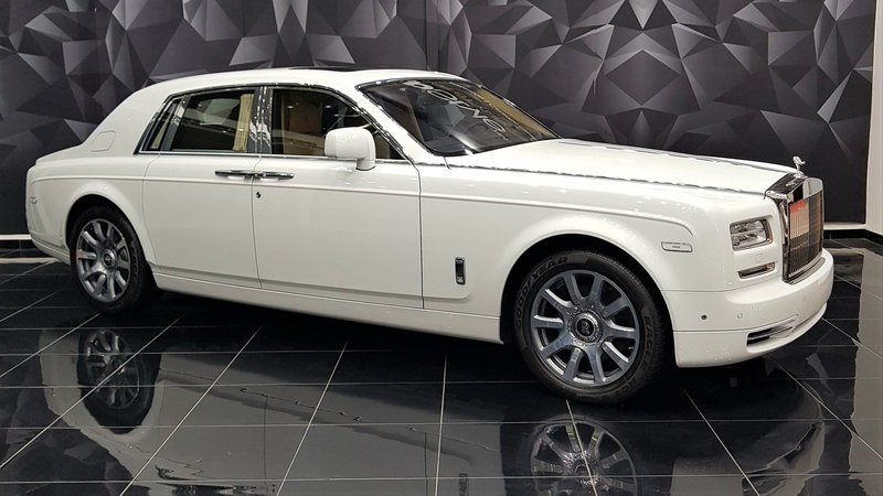 Rolls-Royce Ghost - White Satin wrap - img 2 small