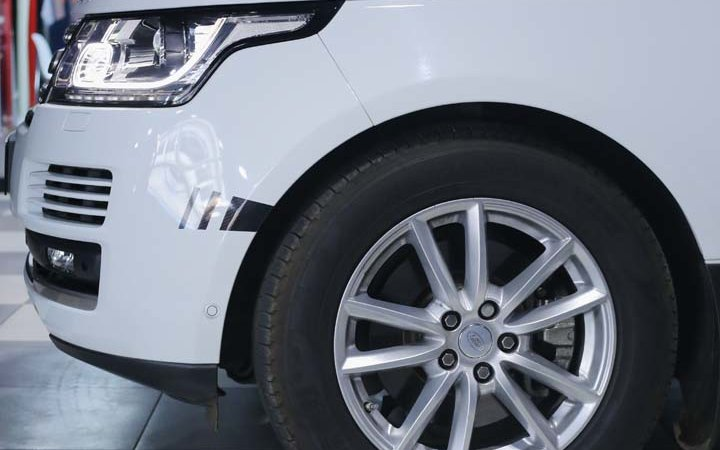 Range Rover Vogue - Grey Gloss wrap - img 2 small