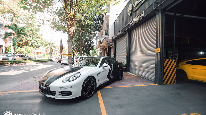 Porsche Panamera - Half design