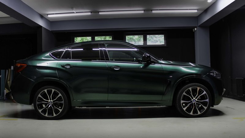 BMW X6 - Green Metalic