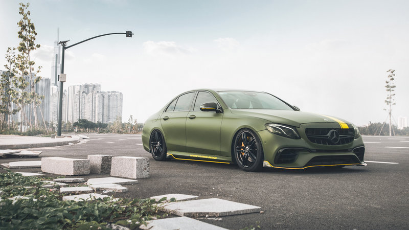 Mercedes Benz - E300 wrap matte military green - cover small