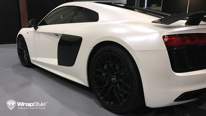 Audi R8 - White Satin wrap - img 3 small