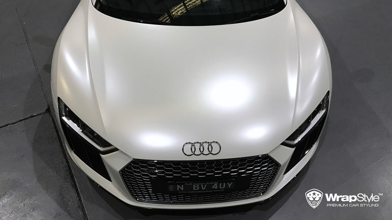 Audi R8 - White Satin wrap - img 1 small