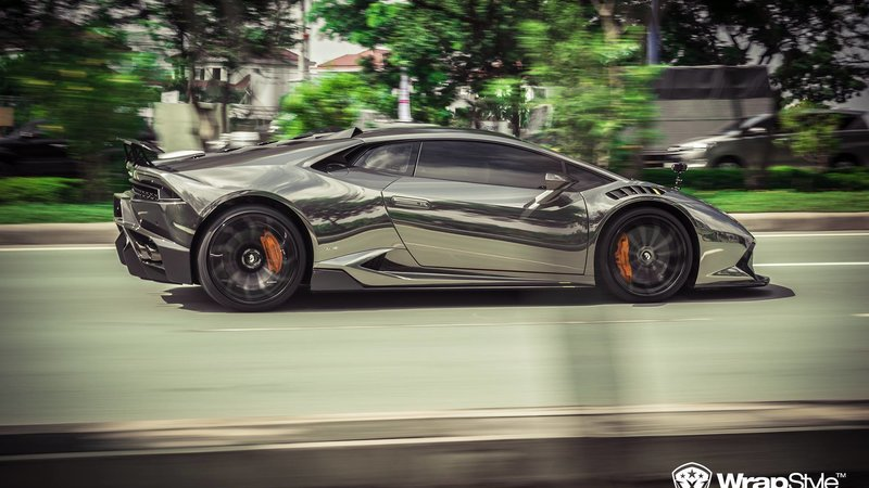 Lamborghini Huracan - Black Chrome wrap - img 1 small